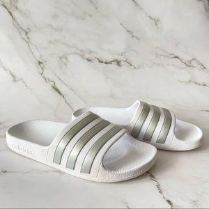 Adidas kids / boys white and silver pool slides size 13